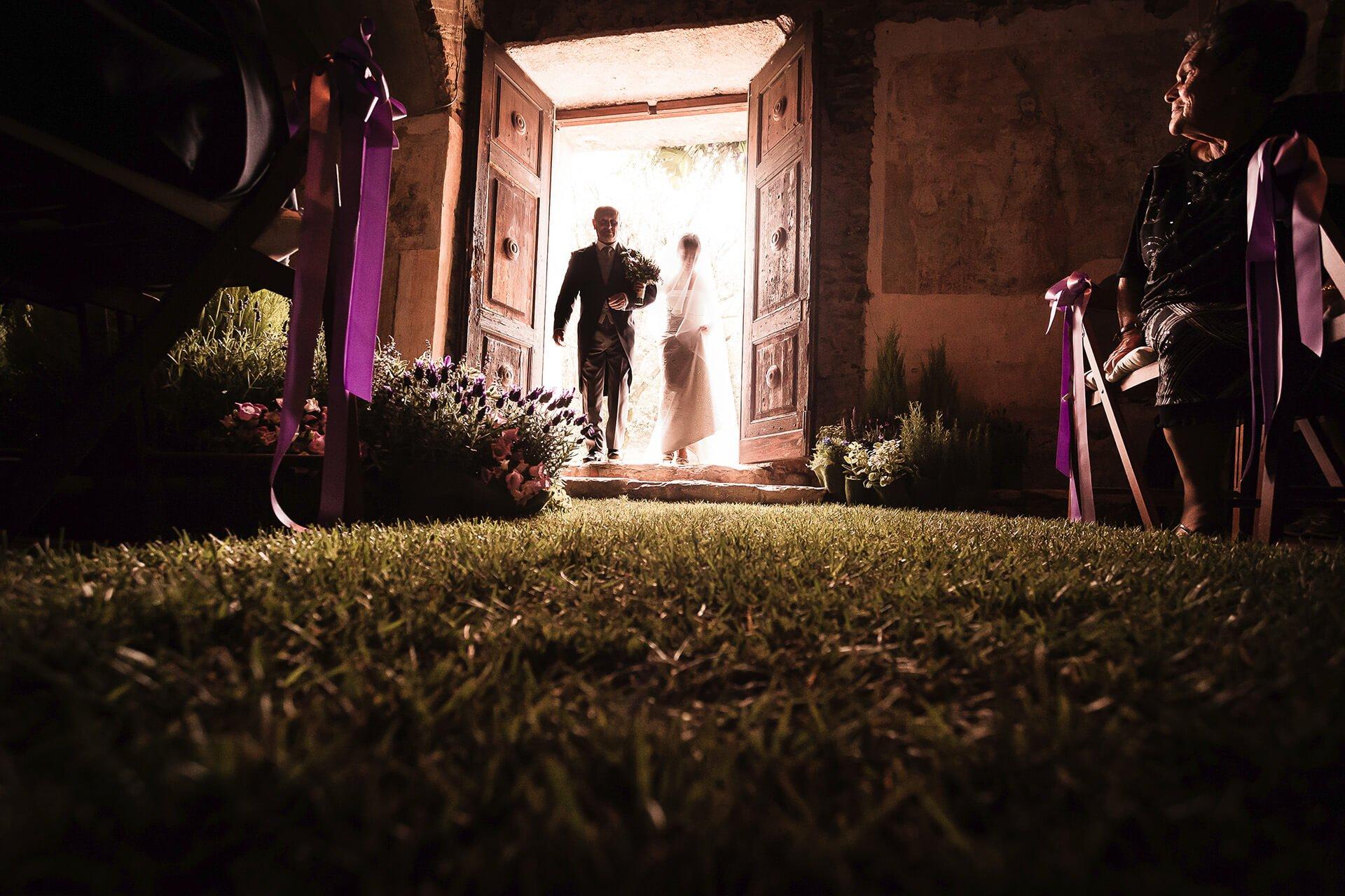 matrimonio ingresso sposa candia canvese erba chiesa alain battiloro fotografo
