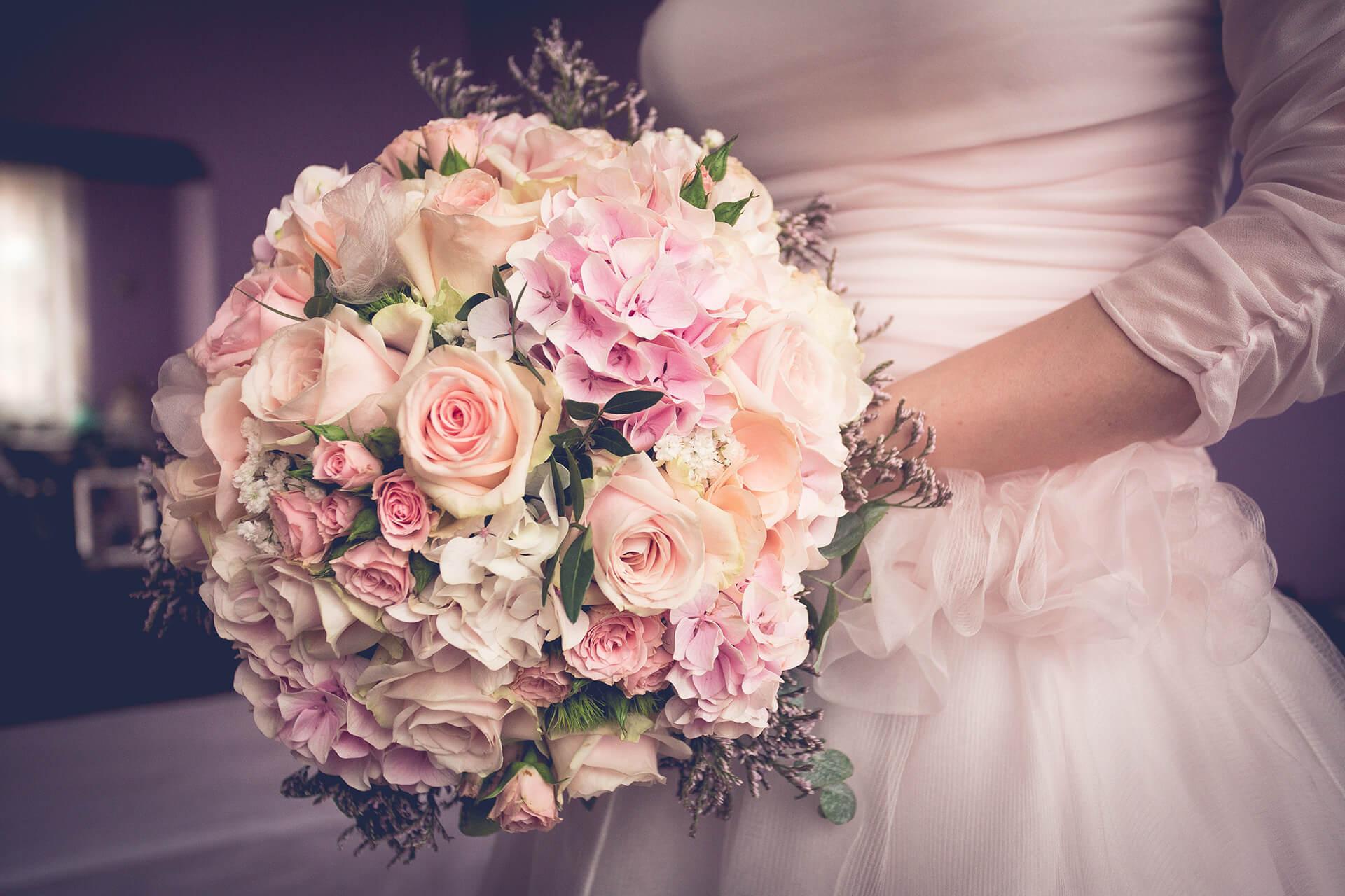 bouquet sposa matrimonio rose alain battiloro fotografo