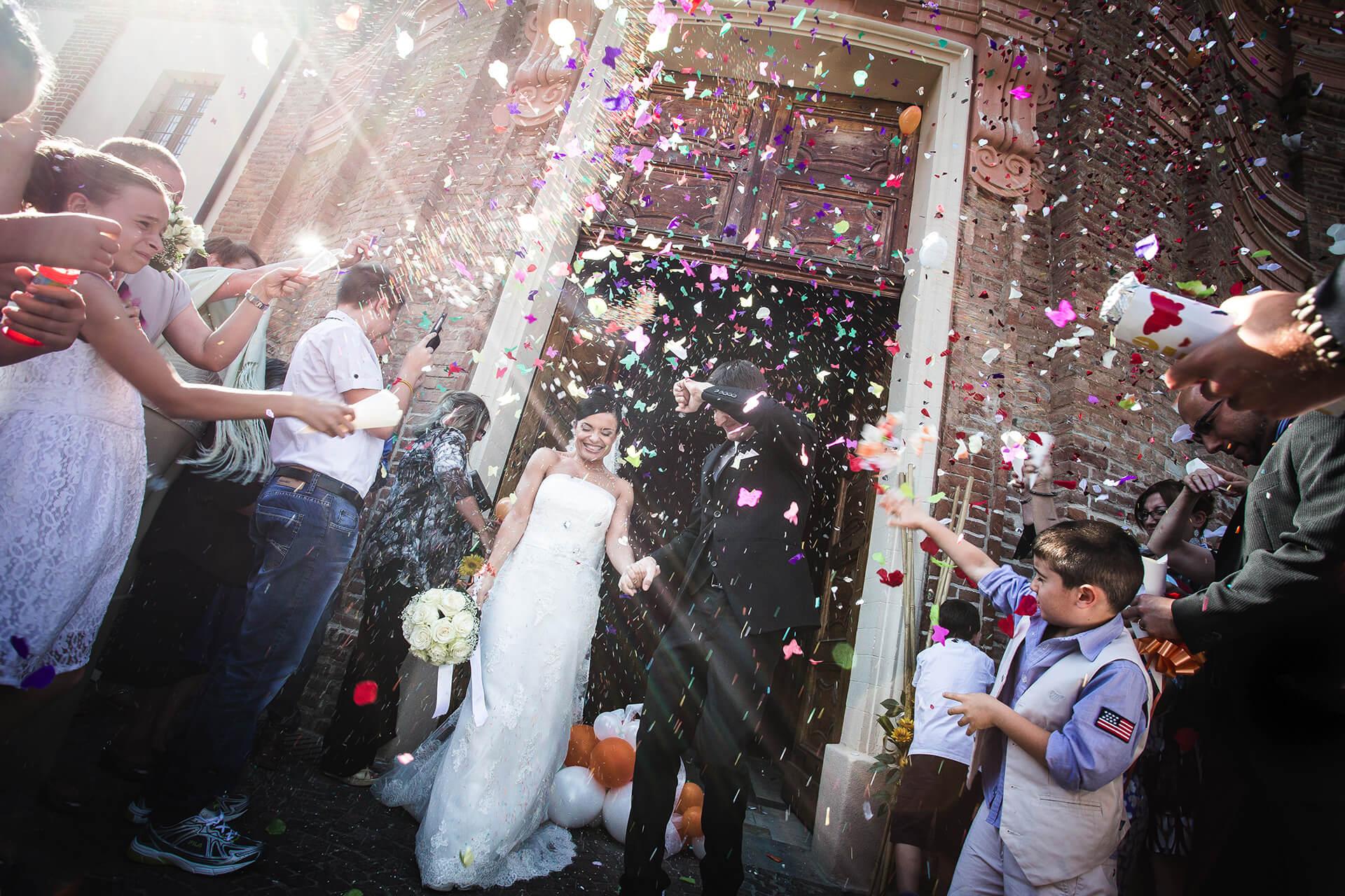 matrimonio piemonte langhe uscita sposi chiesa alain battiloro fotografo